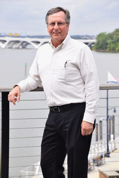 Dr David M Bartoszek